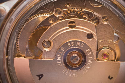 Swiss automatic watch movement with rotor